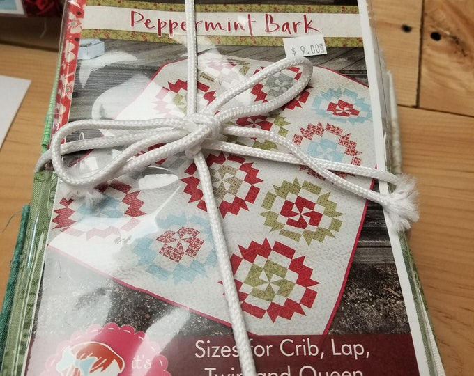 Peppermint Bark Quilt Kit, Queen Size Quilt Top Kit w/pattern