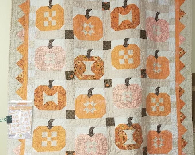"Pumpkins and Cream Quilt, Beautiful, Pumpkin Quilt, 49"" x 60"""