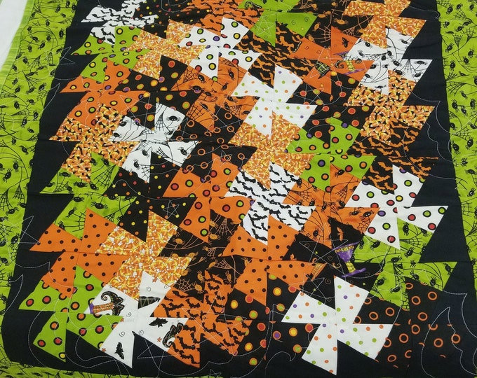 "Halloween Twister  Handmade Quilted Wall Hanging, Homemade Quilt, 26"" x 26"","