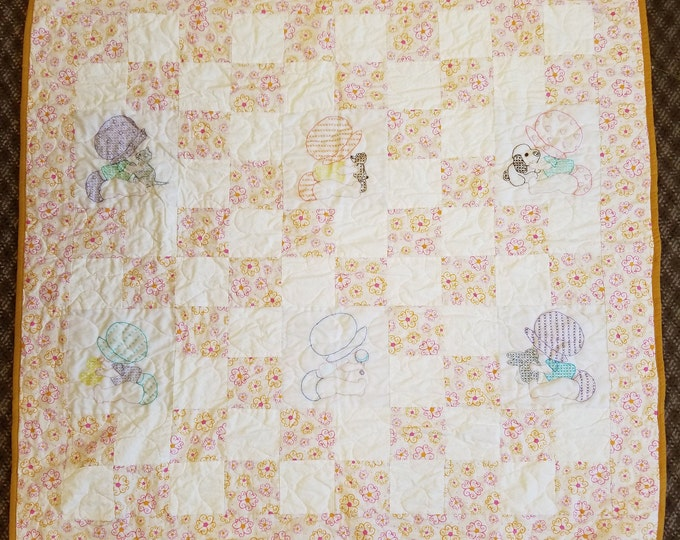 "Babies and Friends Quilt, Cute Playful Quilt 46"" x 46"""