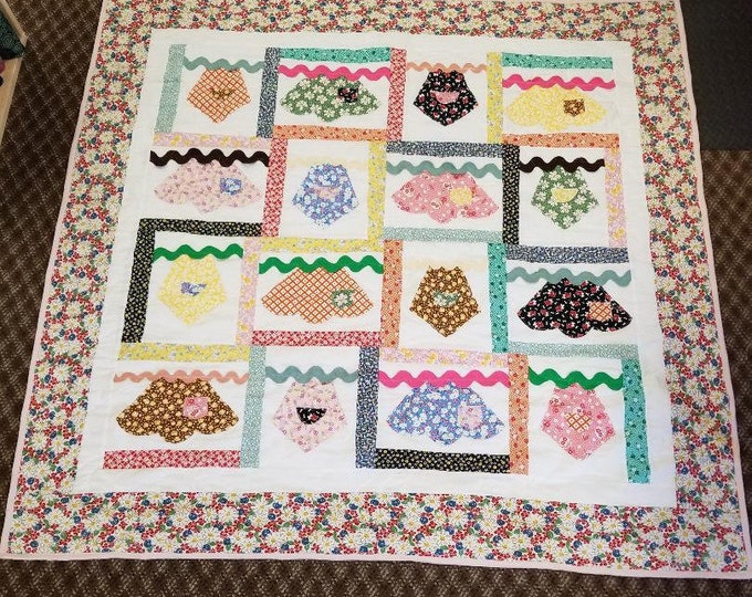 "Grandma's in the Kitchen Quilt, Cute Playful Quilt 55"" x 53"""