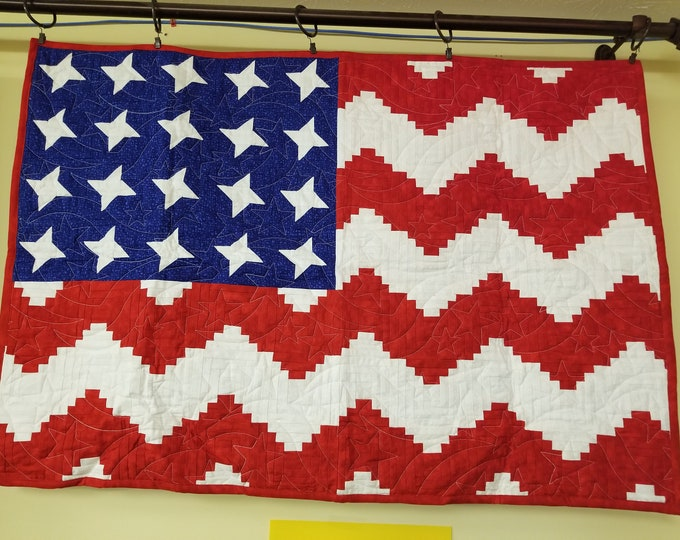 "American Flag Handmade Quilt, Homemade Patriotic US Flag Fabric Quilt, 39"" x 27"","