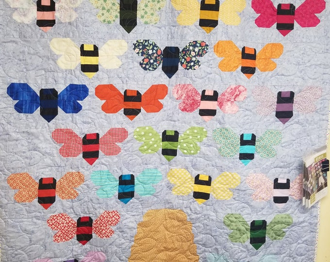 "Beehive Quilt, Colorful Bee Quilt, 57"" x 62"""