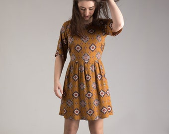 Ladies dress, Raglan sleeve, waist ties, burnt amber retro print, 60's style woman's fashion, summer day dress