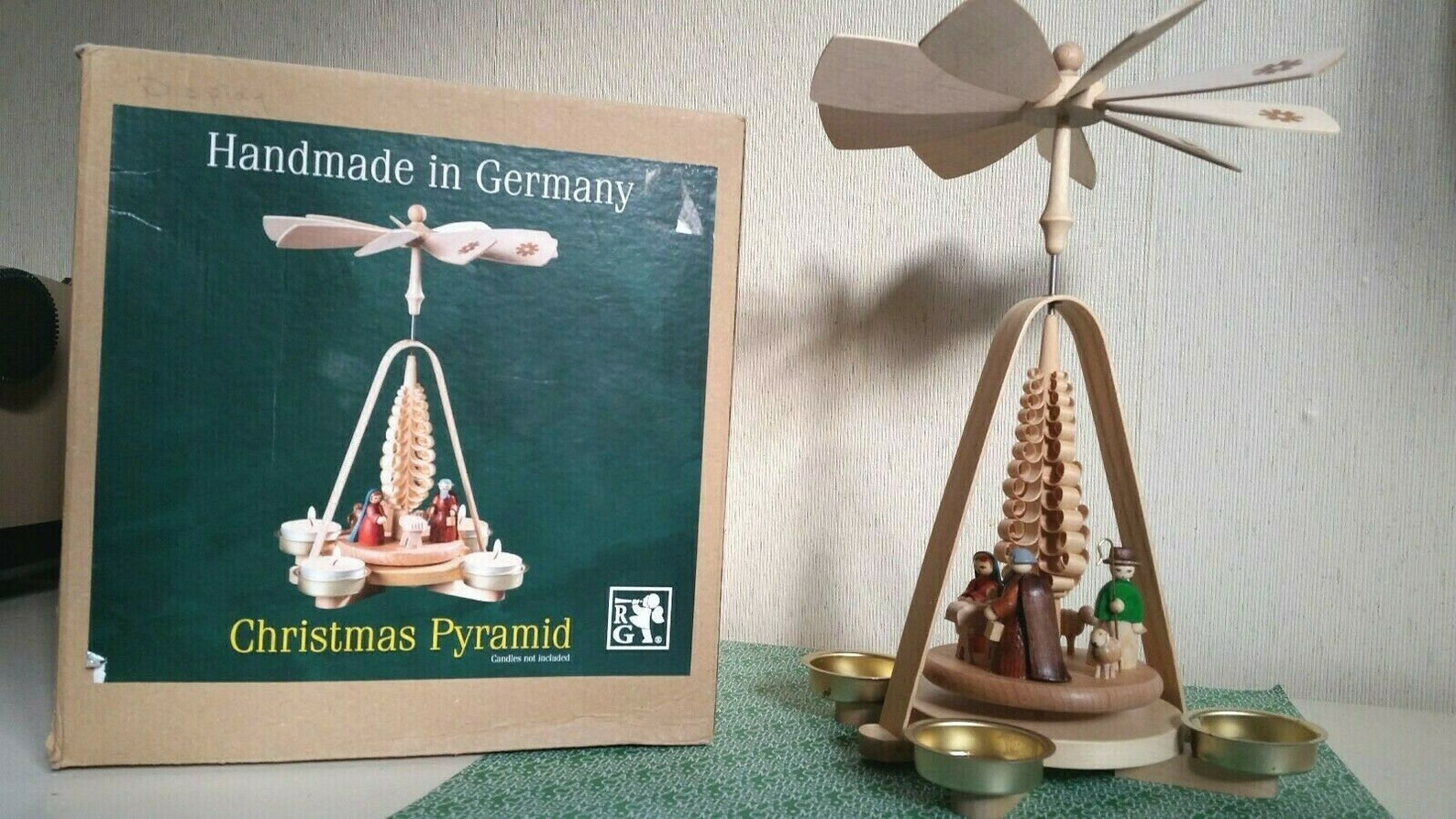 Erzgebirgis Seiffen Volkskunst German candle Pyramid Nativity Christmas