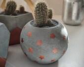Glob concrete planter/sphere concrete pot