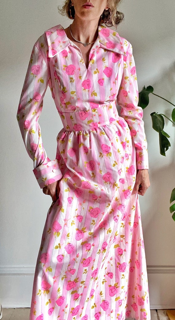 70s Roses & Stripes Maxi Dress with Disco Collar