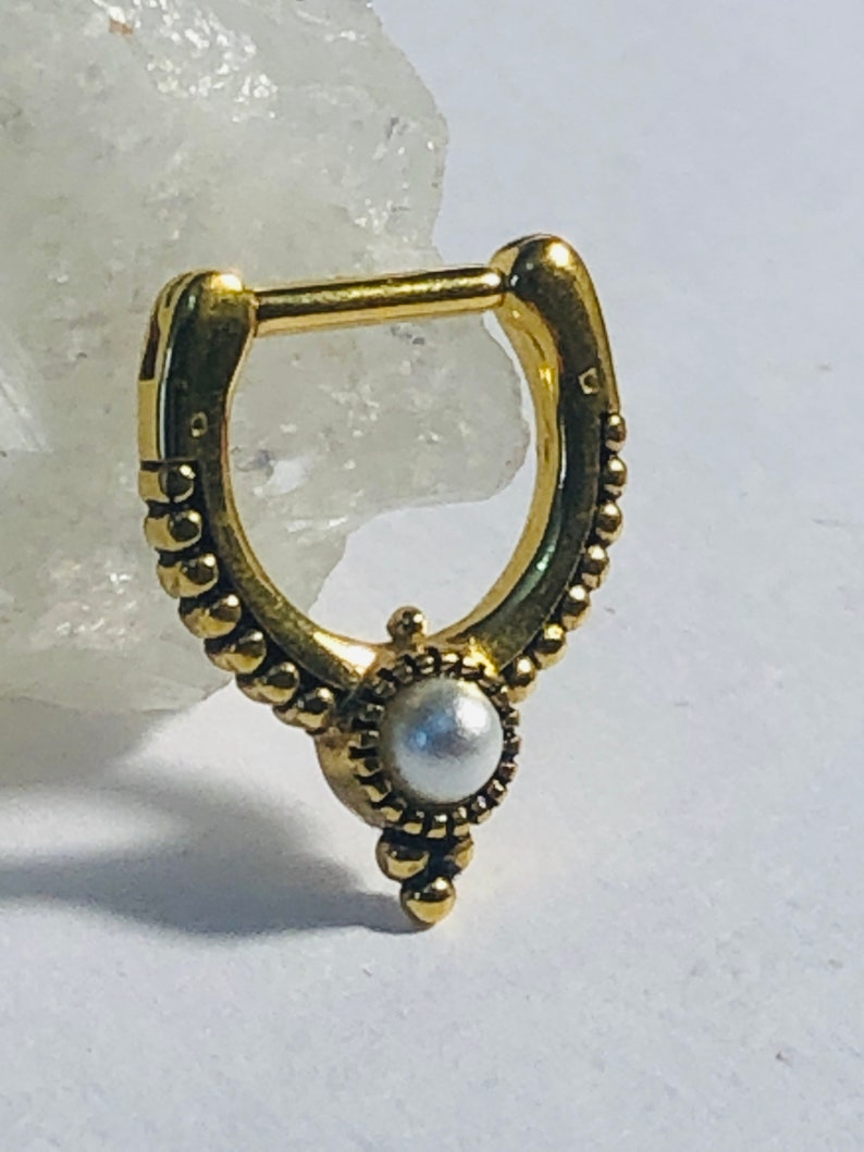 16G 1.2mm x 7mm 1 x Gold Zircon Surgical Steel Hinged Septum Clicker Ring With DotworkDesign /& Faux Pearl