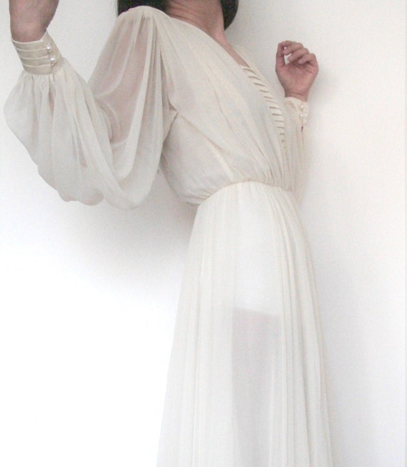 Vintage ivory / cream / bishop sleeve / sheer chif