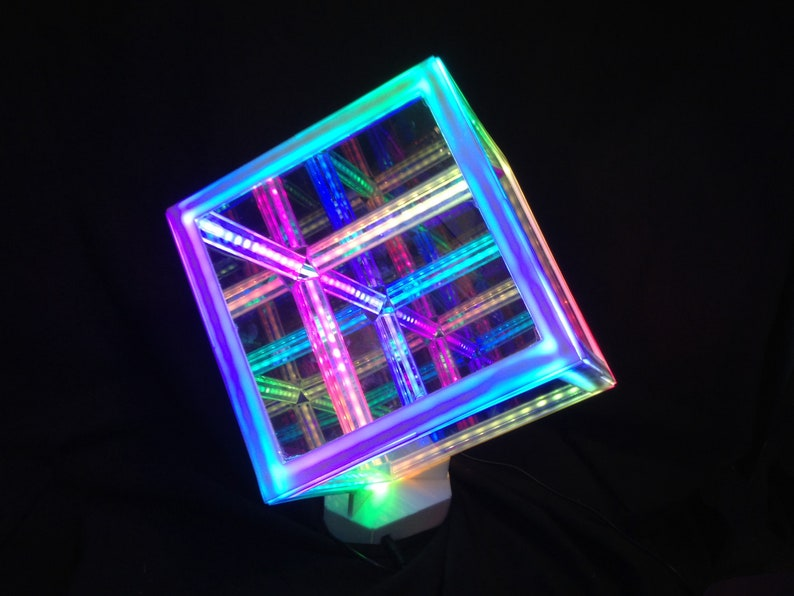 Infinity Cube with Programable LEDs