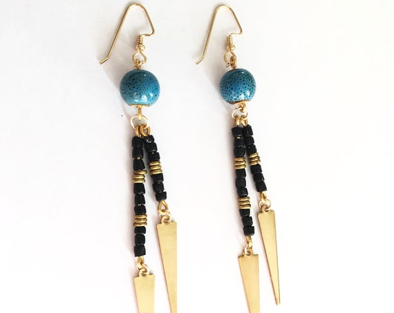 Gaia (Triangle Drop Earrings)