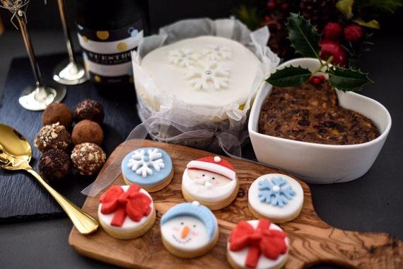 Vegan Christmas Cookies.Christmas Vegan Hamper Vegan Christmas Cookies Vegan Christmas Cake Vegan Christmas Pudding Ethical Packaging Tasty Bakes