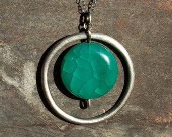 Green Crackled Agate Pendant Necklace