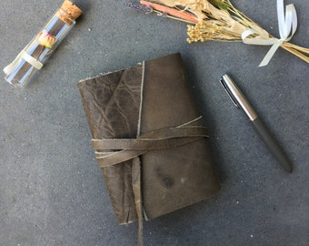 Leather trifold A6 size travelers notebook