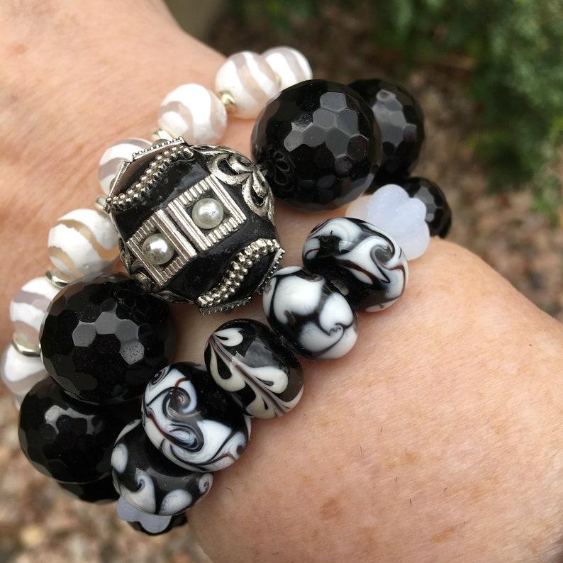 Black and White Bracelets Stretch Bracelets Agate Bracelets Stackable Bracelets Gemstone Bracelet Stack