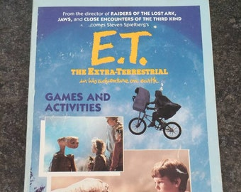 E.T. The Extra-Terrestrial 1982 kids activity book first run release book A Wanderer Book Published by Simon & Schuster ET Movie