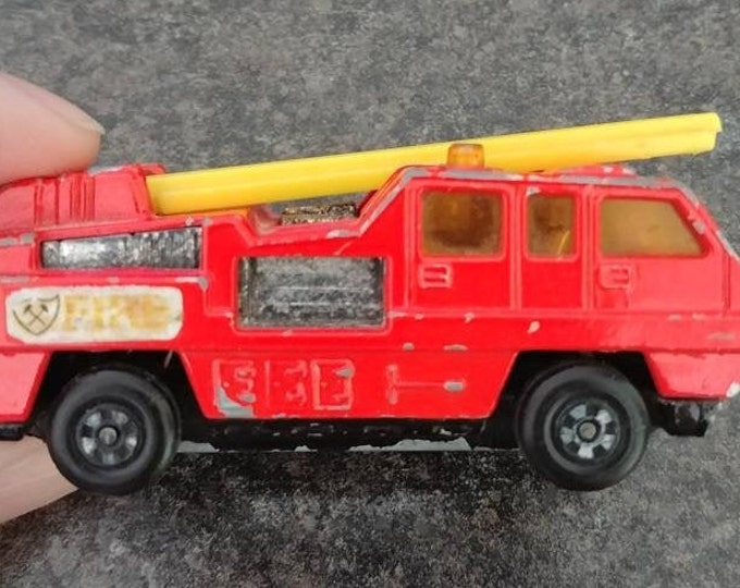 Hard to find 1975 Matchbox Superfast No. 22 Blaze Buster fire truck made in England Lesney Products