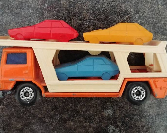 Hard to find 1976 Matchbox Superfast No. 11 Car Transporter made in England Lesney Products