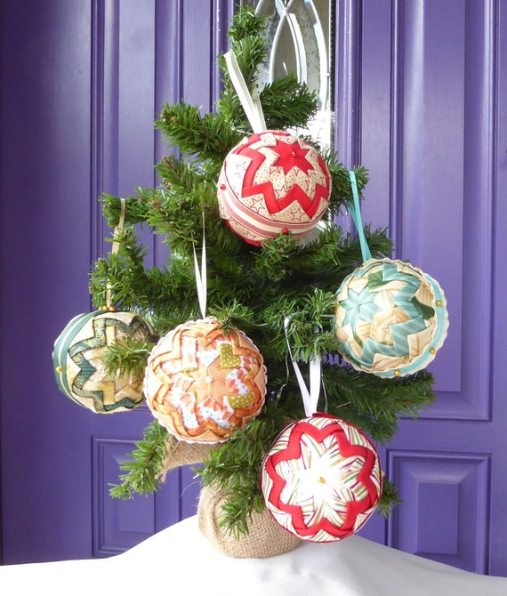 Quilted Christmas Ornaments.Quilted Christmas Ornament Handmade Fabric Christmas Ornament Handmade Quilted Ornament Folded Fabric Ornament