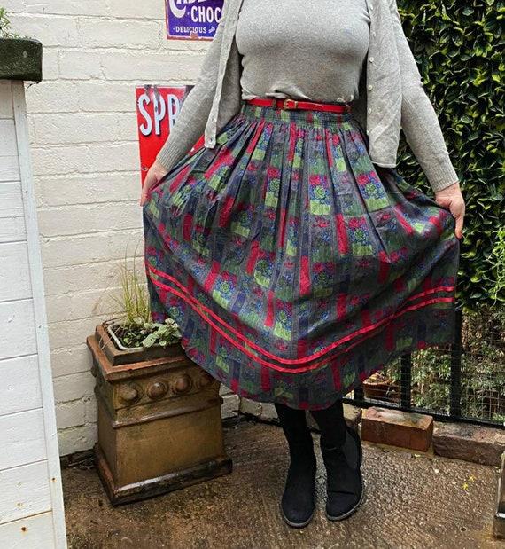 hippie purple boho classic 1980s DESIGNER VINTAGE Skirt with Pockets...size small...retro mod valentine striped skirt pleated skirt