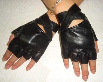 25b3025b6 Women's Black Genuine Leather Fingerless Gloves
