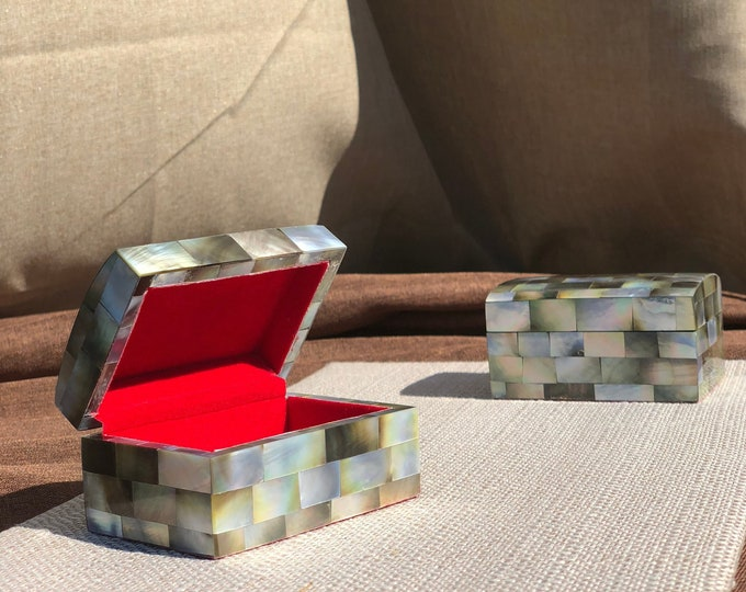 Mactan Mini Jewelry Box
