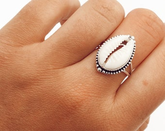 Nautical Jewelry Surfboard Resin Ring Nautical Ring Rings with Shells Beach Shell Silver Ring Ocean Jewelry Sterling Silver Shell Ring