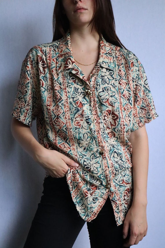 Vintage Floral Button Down Shirt  vintage clothing