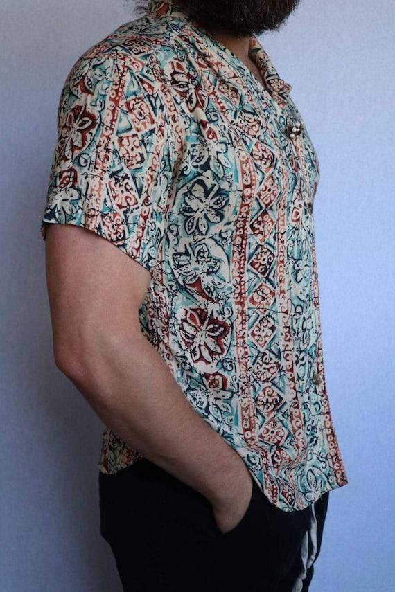 Vintage Floral Button Down Shirt  vintage clothing