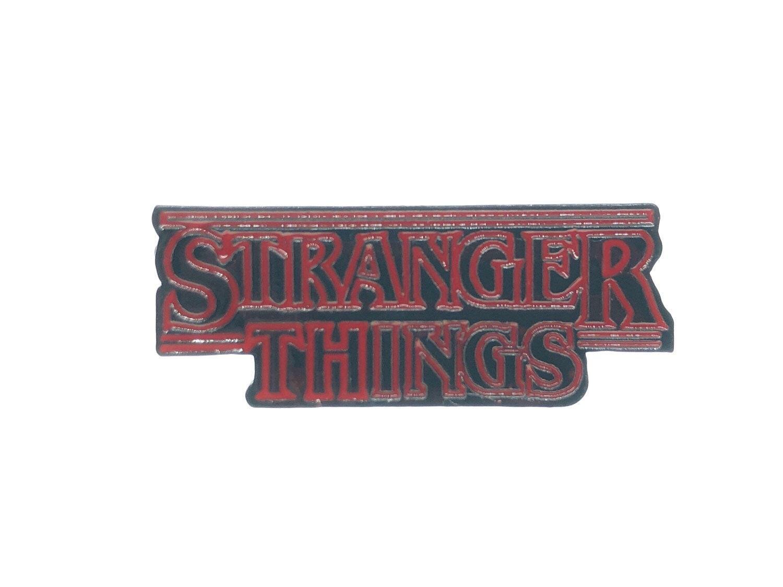 Stranger Things Friends Dont Lie Pink Speech Bubble Enamel Pin Badge
