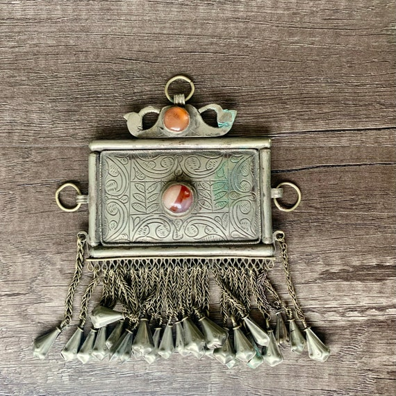 Vintage Afghan Pendant with Carnelian Stones, Vint