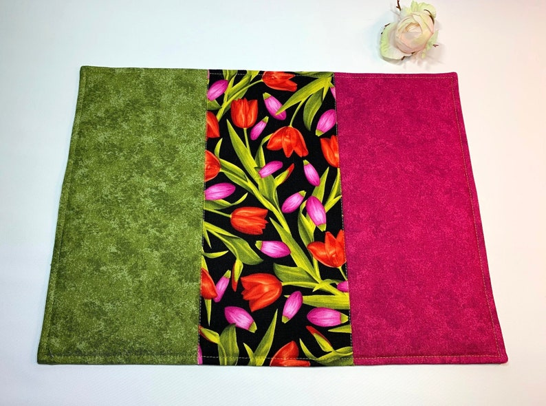 Table Set place ceiling Place mat tulips spring pinkgreen-handmade