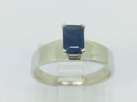 14k White Gold Emerald Cut 66pt Sapphire September
