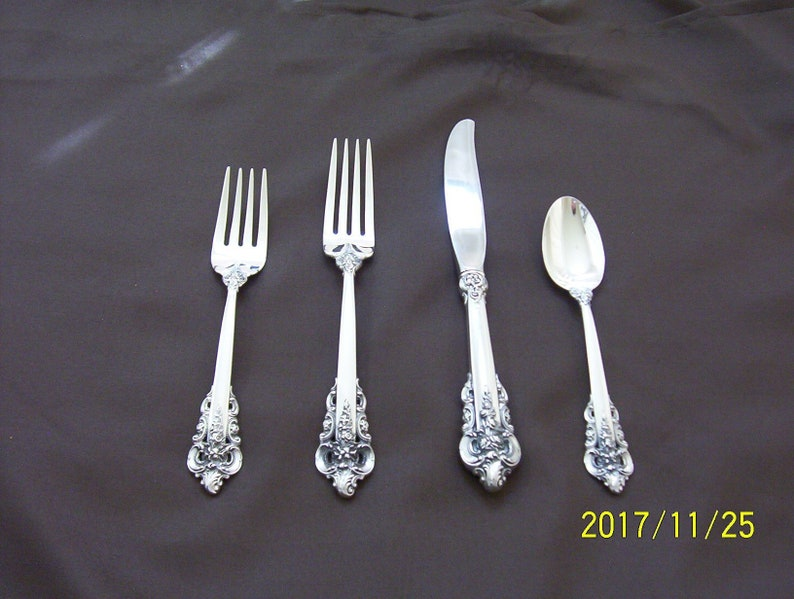 WALLACE GRAND BAROQUE STERLING SILVER FLATWARE KNIVES 11 AVAILABLE