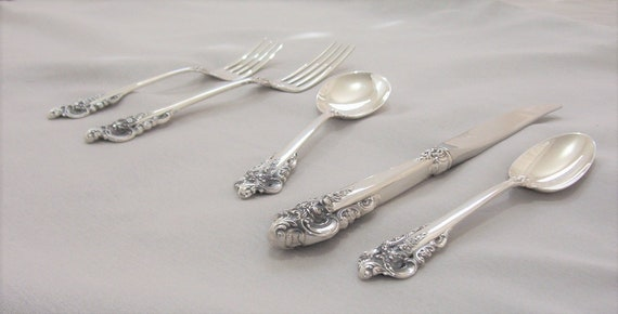Grande Baroque by Wallace Sterling Silver Sugar Tong 4 1//2/""