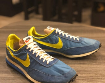 best authentic 27f17 9f132 Vintage nike shoes  Etsy