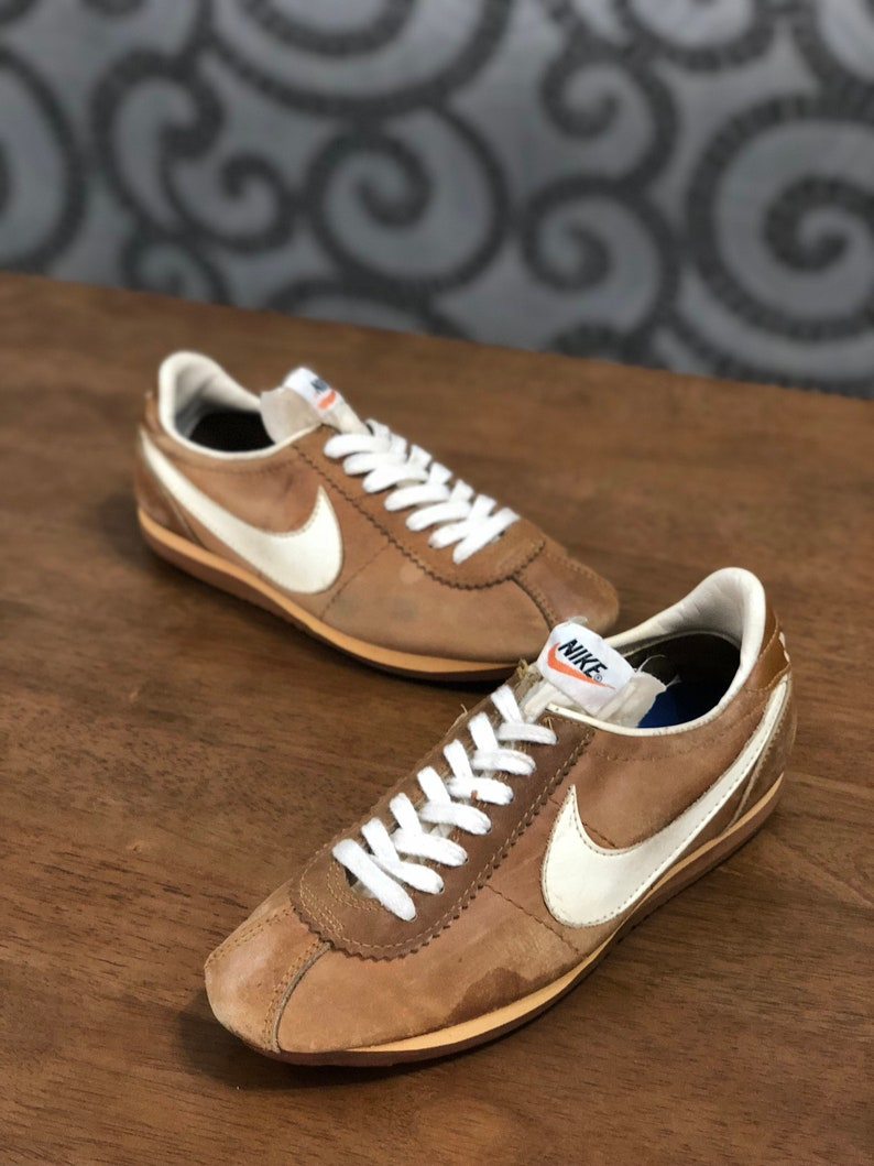 b7fdd0f25b385 Vintage 70s Nike Village