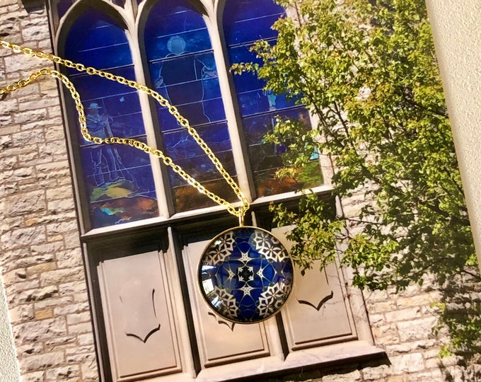 Levere Medallion Necklace, Classic Design Set in Glass, Statement Piece