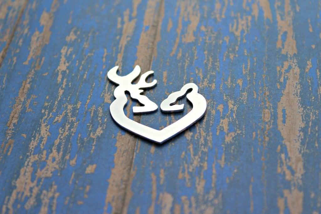 Cerf coeur de 1 3/4 '' en main aluminium poli à la main en coupe estampage blancs, Qté 1 eaddde