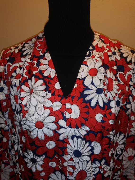 vintage 1960s floral daisy print red white & blue