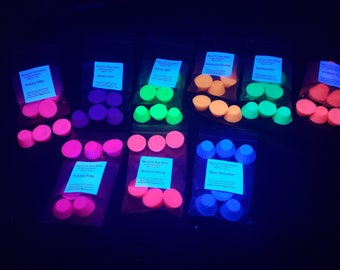 UVW5 - 5 Colors-UV/Neon Wax - Bag of 7 Mini Candy Cups Approx 2.5 oz - BDSM Wax Play