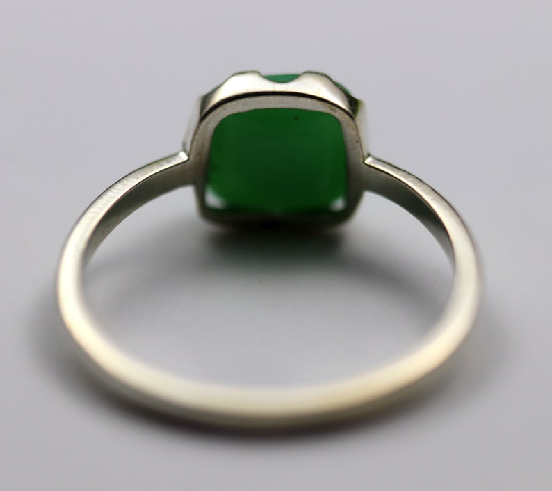 Handmade Silver Ring Bezel Ring Stacking Ring Bright Green Chrysoprase Ring Free Shipping 925 Sterling Silver Natural Chrysoprase Ring