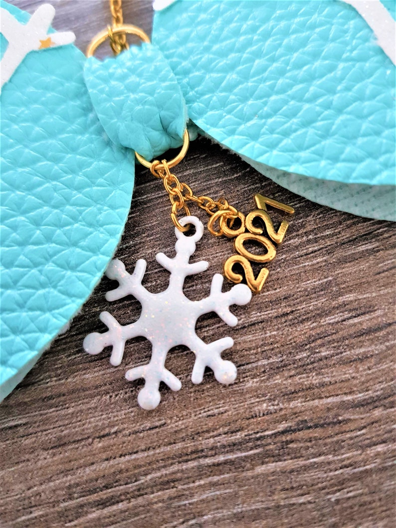Faux leather bow Planner decoration Snowflake bow planner charm Bag charm Bow keychain Christmas zipper charm Christmas bow charm