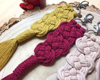Macramé Keychain DIY make your own kit - easy beginners - craft kit gift - Josephine knot pattern