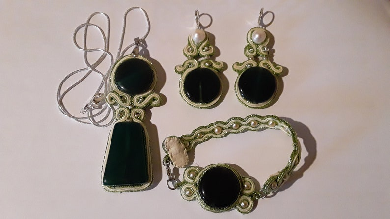 Soutache jewellery with green Agate and with river pearls image 0