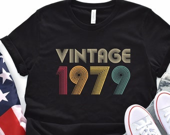 40th Birthday Gift Vintage 1979 Shirt For Women Men Classic Retro Color 40th birthday gift ideas 1979 T-shirt Tee Gifts From Daughter