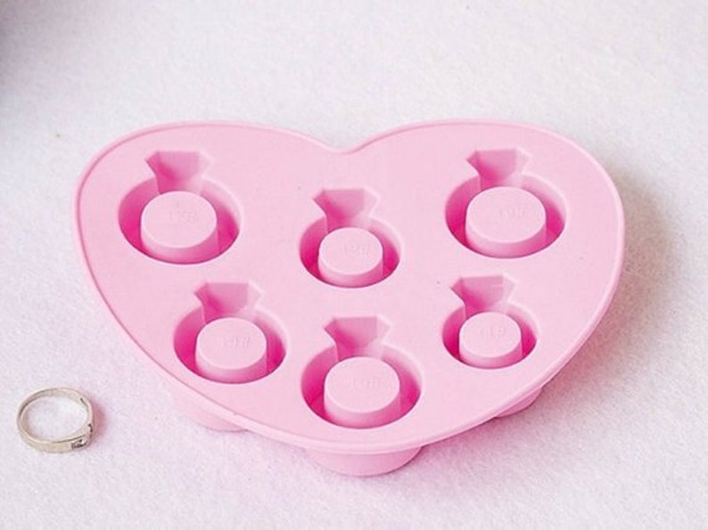 Ice Tray Ice Mold 6-Diamond Ring Flexible Silicone Mold For Handmade Ice Soap Cake Candle Chocolate Candy