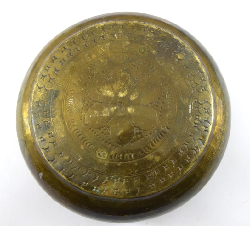 Indian Beautiful Antique Hand Crafted Rare JewelryBread Box Vintage Small Brass Round Box Handmade Storage Trinket Collectible i40-156