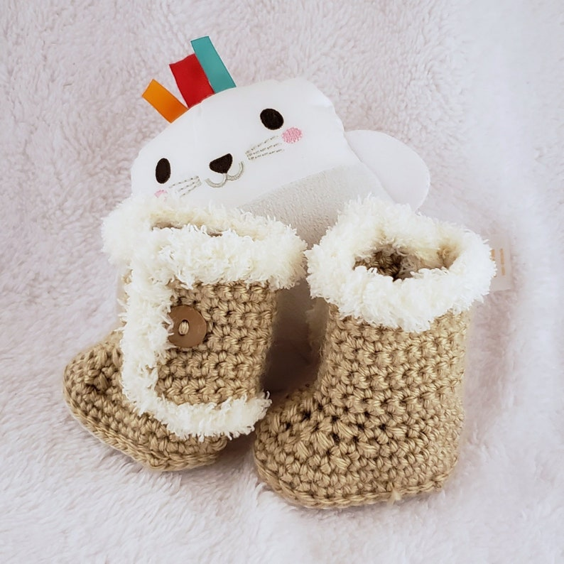 03ac3062b2b Crochet Baby Ugg Boots with Fur | Baby Ugg Boots Brown | Baby Booties Fur |  Soft Sole Baby Shoes | Newborn Shoes | Baby Moccasins