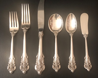 8deb5c55ec9 Beautiful Vintage Wallace Sterling Grand Baroque Place Settings